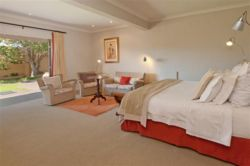 Seahorse Luxury Family triple suite Room Thumbnail Pic 1