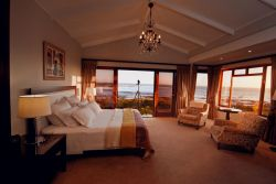 Scallop Seafacing Honeymoon suite Room Thumbnail Pic 1