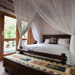 Self-Catering Safari House Room Thumbnail Pic 1