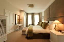 4. Royal Pool & Presidential Suites Room Thumbnail Pic 1