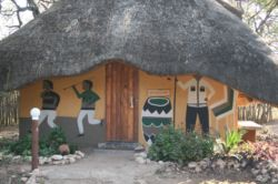 Chinaka Lodge - Dingani Chalet (sleeps 3) Room Thumbnail Pic 1