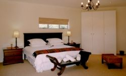 Fish Eagle Honeymoon Suite Room Thumbnail Pic 1