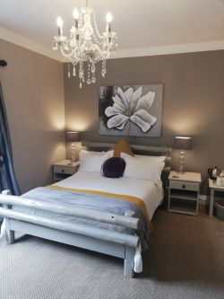 Room no 3/Double bed Room Thumbnail Pic 1