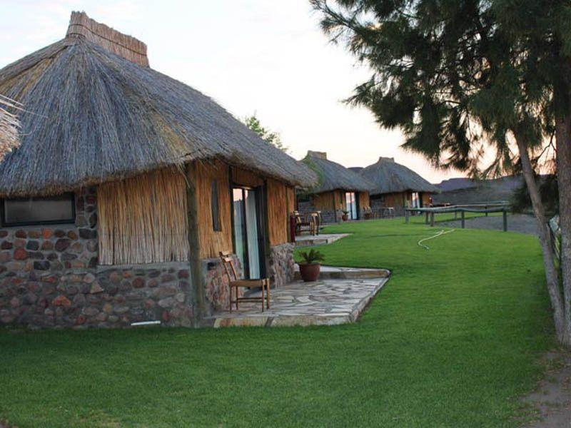 Orange river cabanas noordoewer namibia for Felix s fish camp restaurant