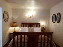 The Dahlia Cottage has a double bed.