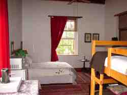 Family en-suite sleeps 4
