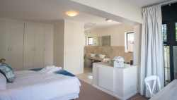 Main Bedroom with en-suite shower and bath