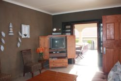 2x Bedroom Flatlet Lounge