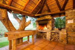 Main Lodge Patio and Braai-area