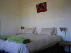 Apt no 5 bedroom with twin beds