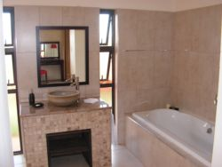 Bathroom Hoopoe Cottage