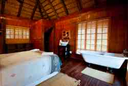Romantic bedroom of Pauci Cottage...
