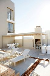 Antrim Apartments roof top braai area with pool