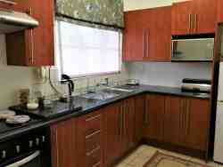 SUITE 2 - kitchen
