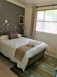 SUITE 2 - bedroom 2 - double bed