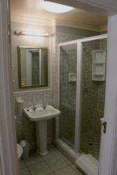 Bathroom en suite: Room 3 Shower
