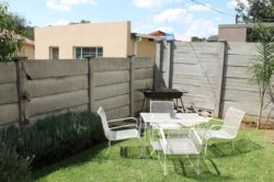 Private garden & braai area