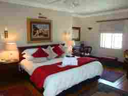 Guest Room- Luxury King or Twin Beds