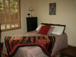 All double and single rooms are tastefully decorated