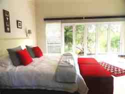 Boutique - Red Ivory chalet