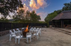 Bushwillow Tented Camp - Boma / Bon fire