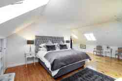 Diamond, our open plan Honeymoon Suite in the attic. Spacious, bright and luxurious, an absolute delight!