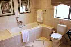 Executive en-suite bathrom