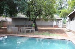 Braai and swimming pool area