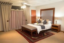 Room 7 - Navy 