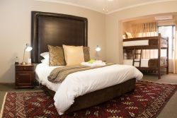 Room 10 - Gold