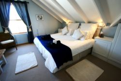 The Loft - king bed