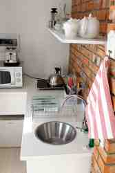 The Rose Unit: Cottages@Moffett: Kitchenette
