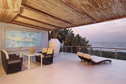 The terrace overlooking the ocean is very big and private,