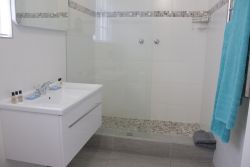 Standard On-Suite Bathroom for Rooms 1-7