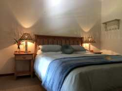 Sam's Place - a little bit of luxury and comfort in the wilds..Silky Egyptian cotton bedding for a beautiful sleep!