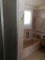 Guestroom - bathroom with bath and shower