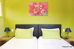 Bougainvillea room