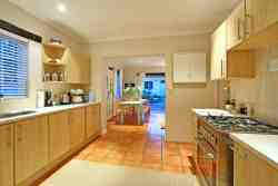 Spacious fully equipped kitchen with dishwasher