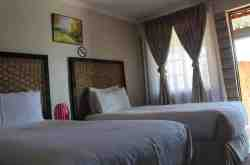 Sharing Room (2 single beds)