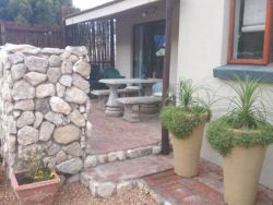 2 Bedroom cottage patio/braai