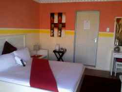 Double en-suite room, DSTV, WIFI and refreshements