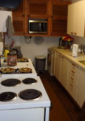 7 Sleeper Unit - Fully Equipped Kitchen