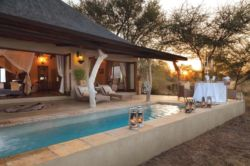 Kings Camp Honeymoon suite with private plungepool