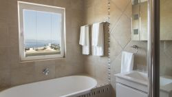 Symphony Suite Bath Room