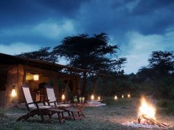 Relaxing setting in camp with evenings around the fire place under the stars.