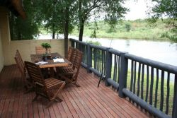 King Fisher Deck with built-in braai