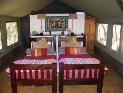 Twin bed tent unit