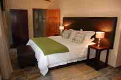 Double Room, en suite, airconditioned, ceiling fan, DSTV and coffee/tea.