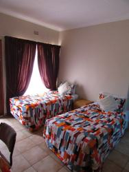 suite 5 bathroom sharing with television can sleep 3 people with double bed and single bed