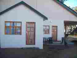 UNIT B - ATTACHED TO MAIN HOUSE BUT PRIVATE ENTRANCE 